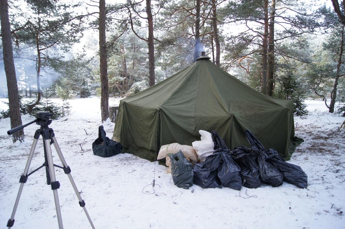 Swedish army 10 man tent. Matsirand. Holiday in Estonia Matsi beach on winter & NN44. Swedish army 10 man tent. Matsi beach on winter (Matsirand)